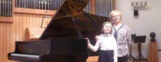 Výrazný úspech Natálie Tokárovejna klavírnej súťaži vSalgótarjáne
